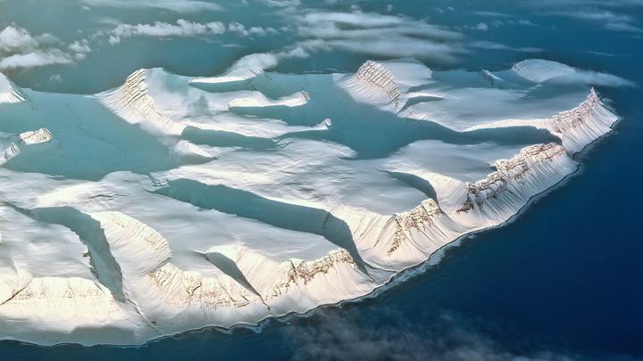 """El cambio climático podría convertir a la Antártida en """"zona verde""""  /><br /> El cambio climático está generando diversos cambios en la <strong>Antártida</strong>. Y no solo en lo que al <strong>deshielo </strong>o las modificaciones en el <strong>ecosistema animal </strong>se refiere. También se han hecho <strong>otras observaciones</strong> en las que se aprecian variaciones en el terreno, ya que se aprecia la proliferación de algas verdes en la nieve.<br /> <span id="""